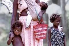 06_young_family_Kirakira_Solomon_Islands_Sept1970