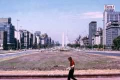 35_Buenos_Aires_Worlds_widest_avenue_Jan1972