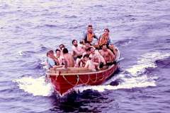 46_Hands_to_bathe_and_be_rescued_Atlantic_Jun1970